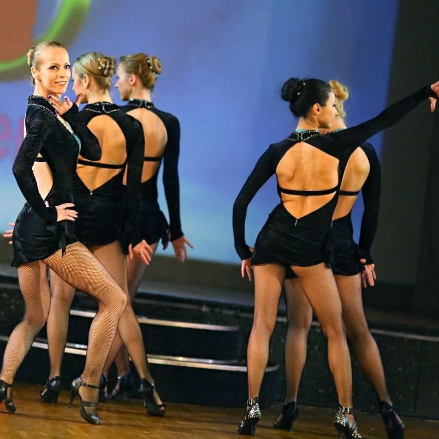танец сальса женский стиль, сальса женский стиль бачата в Санкт-Петербурге, обучение и уроки в танцевальной студия El Paso танцам сальса бачата женский стиль